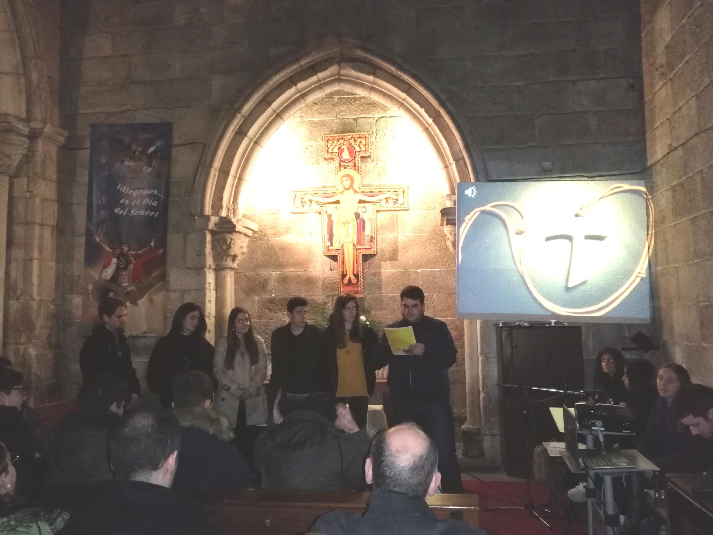 6 jóvenes se comprometen a vivir franciscanamente su vida