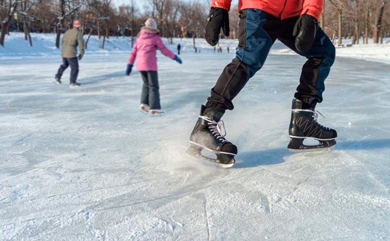 Patinaje sobre hielo. Sábado 18 a las 12.